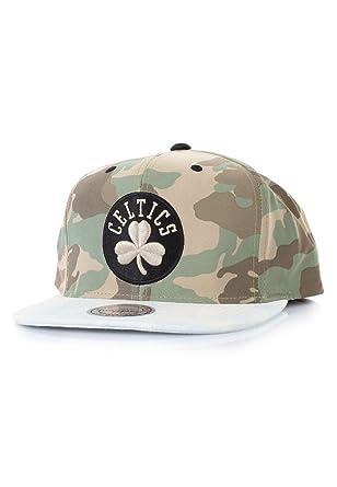 Mitchell   Ness Boston Celtics Cam Snapback VF16Z Cap Kappe Basecap  Camouflage 90c3b2003043