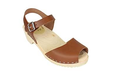 1cc858efb0342 Lotta From Stockholm Peep Toe Clogs in Tan EUR 35