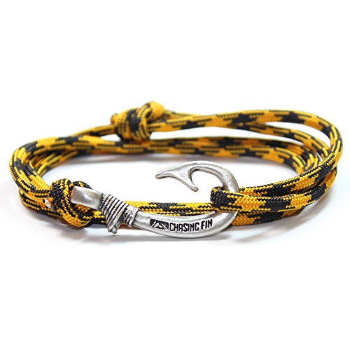 Chasing Fin Adjustable Bracelet 550 Military Paracord with Fish Hook Pendant, Black/Gold