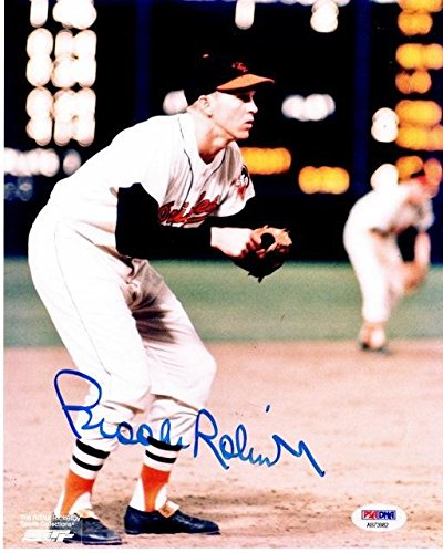 - Signed Brooks Robinson Photograph - 8x10 inch Certificate of Authenticity COA) - 1983 Hall of Fame 1970 World Series MVP - PSA/DNA Certified