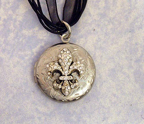 Small Antique Silver Engraved FLEUR de LIS LOCKET, vintage style photo keeper, silver rhinestone jewelry, keepsake locket ()