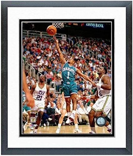 Muggsy Bogues Charlotte Hornets NBA Action Photo (Size: 12.5
