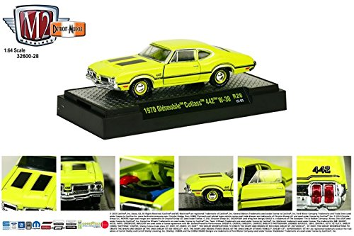 1970 OLDSMOBILE CUTLASS 442 W-30 * Detroit Muscle Release 28 * M2 Machines 2014 Castline Premium Edition 1:64 Scale Die-Cast Vehicle & Display Case Set ( R28 15-03 )