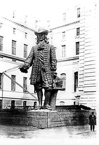City Philadelphia Hall Statue (Buyenlarge 0-587-08258-5-P1827 Statue of William Penn in Courtyard of City Hall, Philadelphia, PA Paper Poster, 18