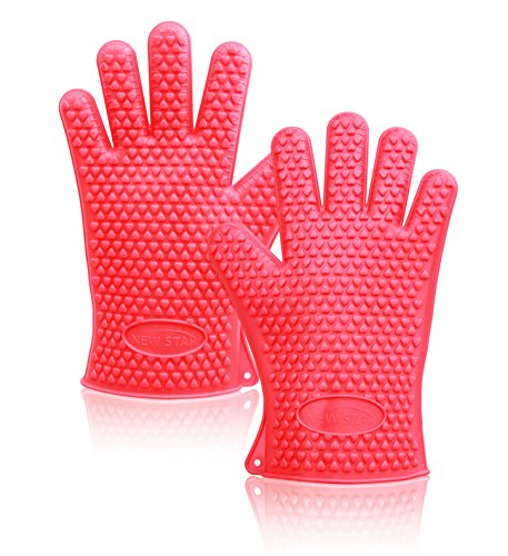 New Star Foodservice 32376 Commercial Grade Silicone Oven Mitts, Red, Set of 2
