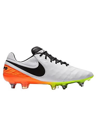 buy online 77ca3 f6bea Nike Herren Tiempo Legend VI SG-Pro Fußballschuhe Weiß (White/Black-Total