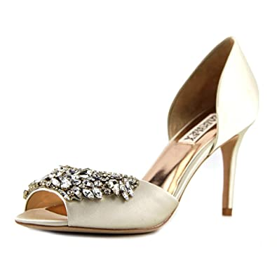 94d8abd155d3 Amazon.com  Badgley Mischka Women s Candance Dress Pump  Shoes