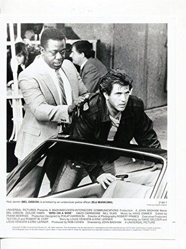 (MOVIE PHOTO: Bird On A Wire-Mel Gibson-Blu Mankuma-8x10-B&W-Still)