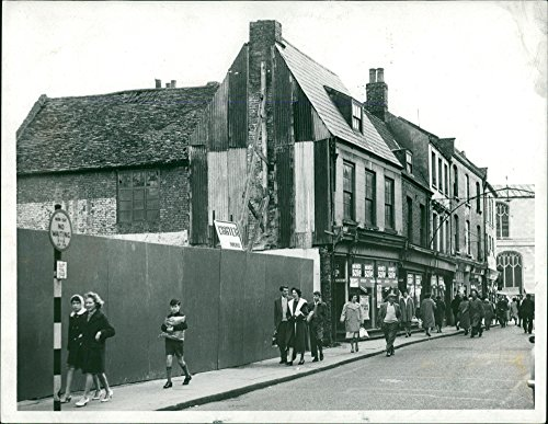 Vintage photo of King39;s Lynn High Street pre-1960(Arches remained then)
