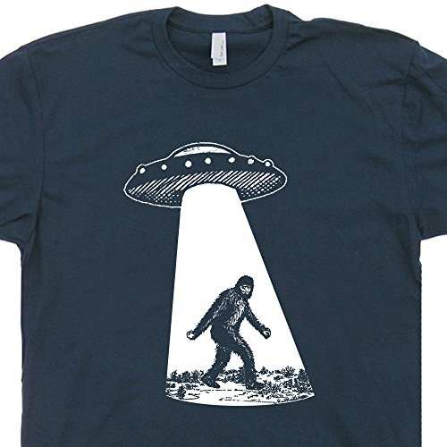 M - Bigfoot UFO Abduction T Shirt Funny Sasquatch Aliens Tee Shirts Cryptozoology Area 51 Mens Womens Kids Flying Saucer X Files Graphic Tee Shirtmandude (Aliens Soft T-shirt)