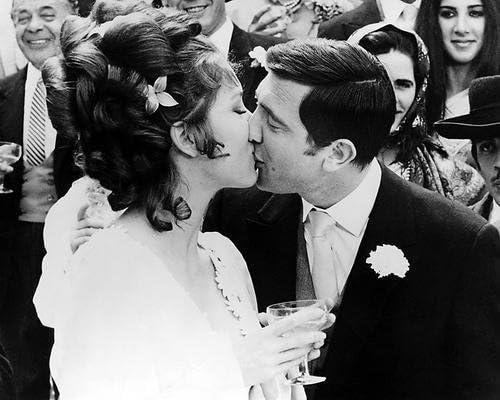 Diana Rigg George Lazenby In On Her Majesty/'S Secret Service 8x10 Photo