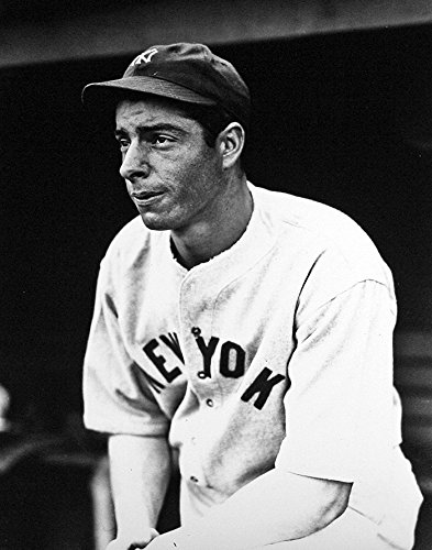 1942 Photograph (New York Yankees Joe DiMaggio 1942. 8x10 Photograph)