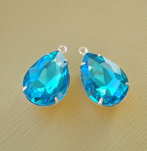 BeadsTreasure Aquamarine Crystal Faceted Glass Pear Teardrop in Sterling Silver Plated Brass Settings 1 (One Loop Brass Setting)