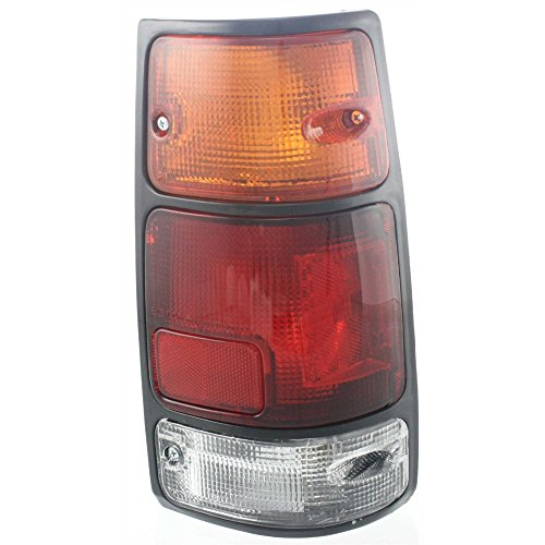 EvanFischer EVA156828747 Passenger Side Tail Light Assembly with Black Trim ()