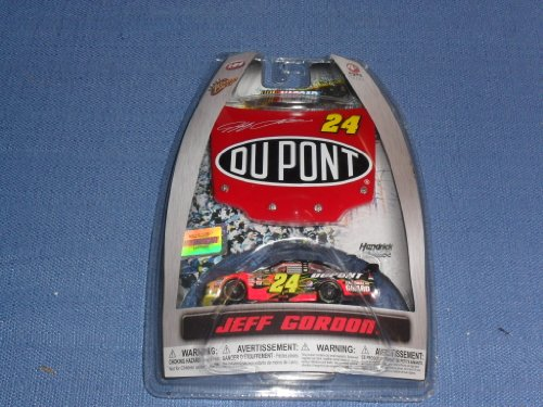 2010-nascar-winners-circle-jeff-gordon-24-dupont-chevy-monte-carlo-1-64-diecast-includes-1-24-scale-