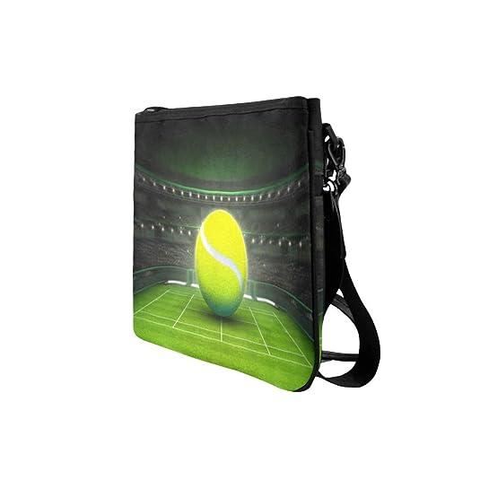 Amazon.com: Bolas de tenis grandes colocadas en una pista de ...