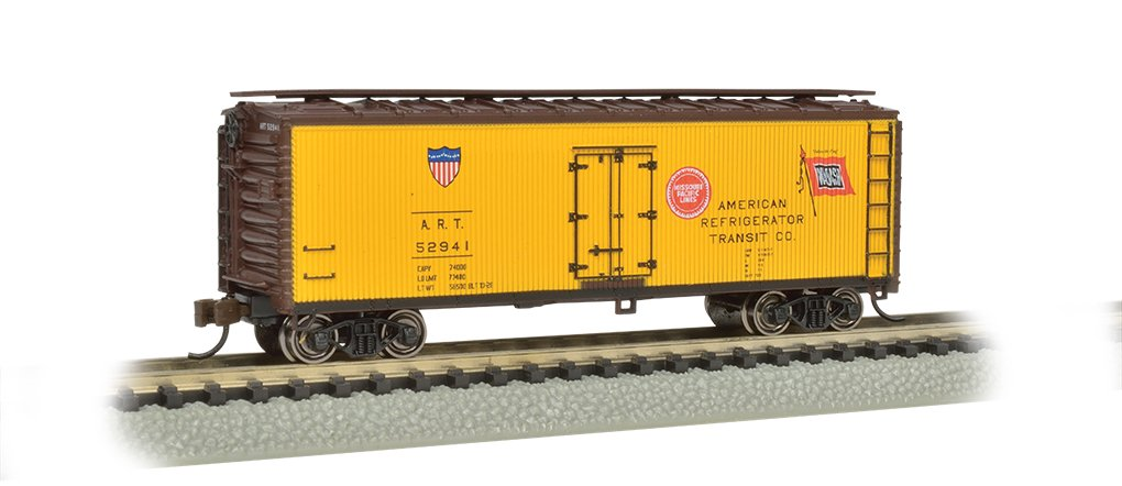Bachmann Industries Wood Side Reefer American Refrigerator Transit Company N-Scale Freight Car, 40'