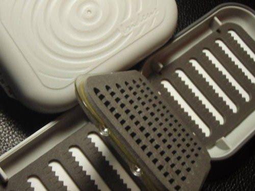 代引き人気 B06XCMLSKC irideusirideus Riseフリップページフライ釣りフライボックス B06XCMLSKC, ヒガシウスキグン:d062f759 --- vezam.lt