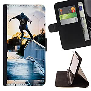 - Skateboard HipPop Man Funny - - Caja de la carpeta del tirš®n del cuero de la PU [con ranuras para tarjetas y cierre de solapa magnšŠtica] Pš¢rese cubierta de la caja FOR Apple iPhone 4 4S 4G Skull Market