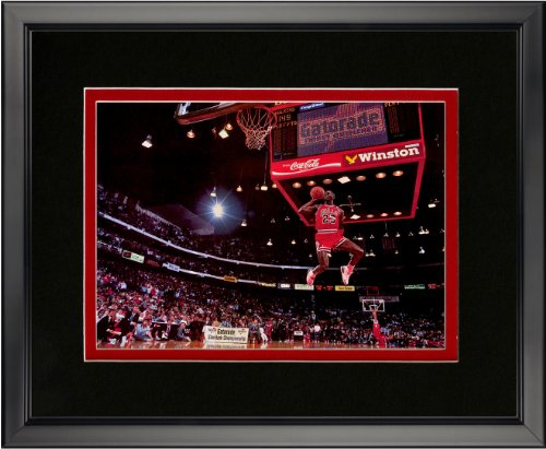 Michael Jordan Dunk 16