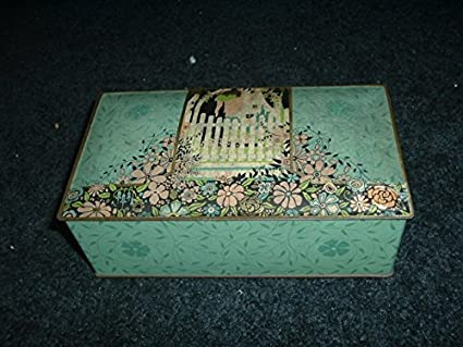 1930s George C Miller Co gum candy tin R300 at Amazon's