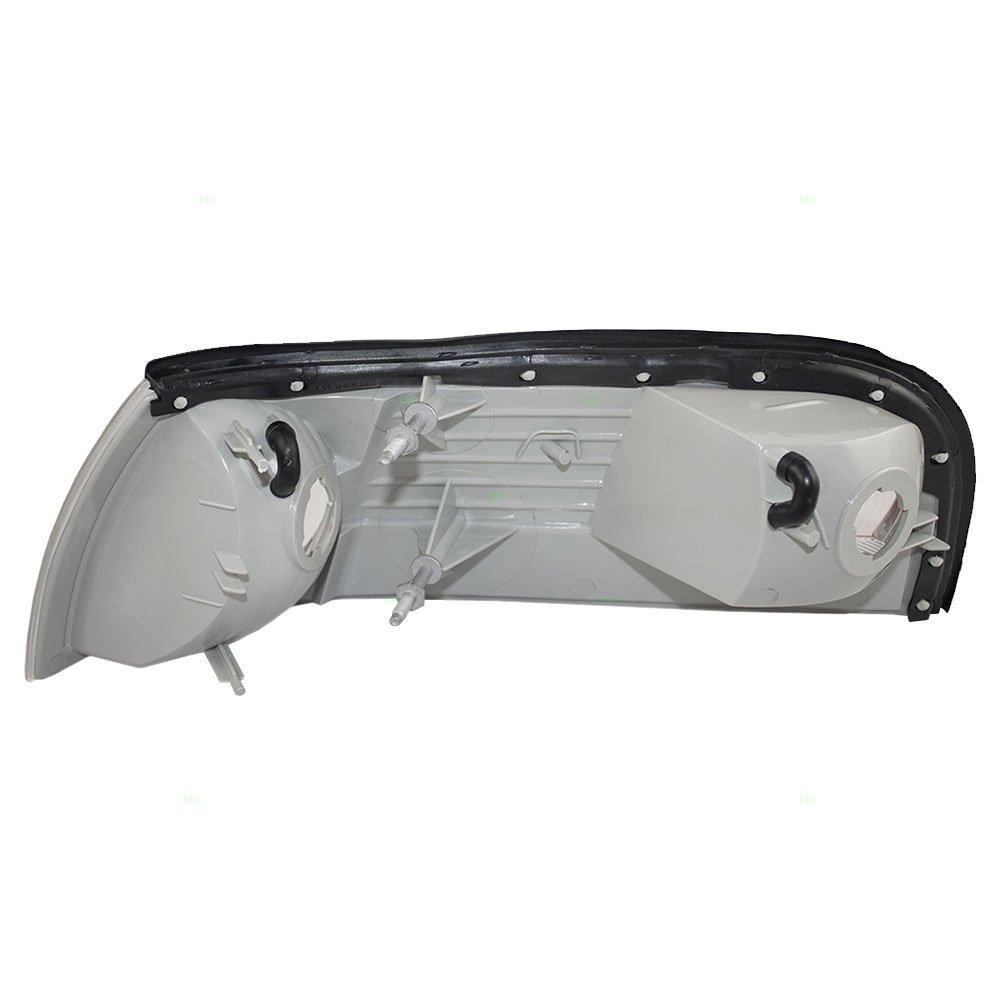 Passengers Park Signal Side Marker Light Lamp Replacement for Mercury 3W3Z13200AA AutoAndArt