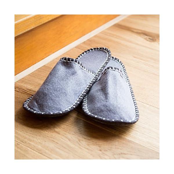 Levivo Set di pantofole per gli ospiti, 11 pz: 5 paia di pantofole per gli ospiti in feltro, 1 tasca-pantofola grande con stella, pantofole unisex, 5 diverse taglie e colori, tasca: grigio/rosso