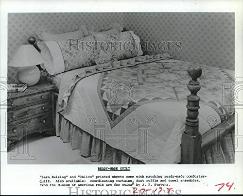 Vintage Photos 1983 Press Photo Comforter Quilt Coordinates with Barn Raising and Calico Sheets (Quilt Raising Barn)