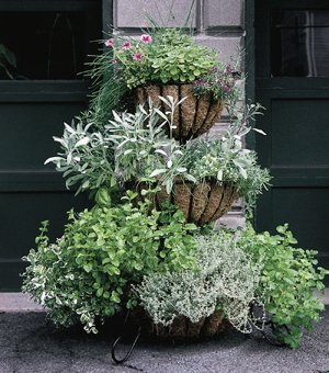THREE TIERED PLANTER CLASSIC WITH LINERS