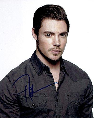 Henderson Autographs (JOSH HENDERSON - Dallas AUTOGRAPH Signed 8x10 Photo B)