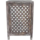 Décor Therapy Quatrefoil End Table with Mirror Accent, Distressed Gray