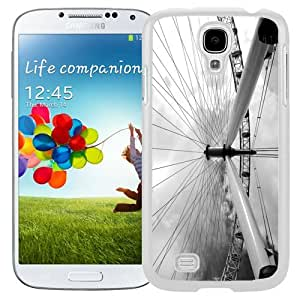 Unique and Fashionable Cell Phone Case Design with London Galaxy S4 Wallpaper 3 in White