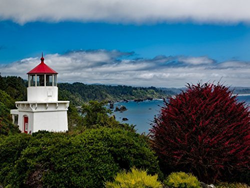 Lais Jigsaw Trinidad Memorial Lighthouse, California 2000 Pieces
