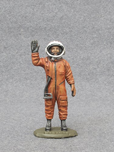 Ronin Miniatures Yuri Astronaut Gagarin USSR Spaceman Painted Tin Metal Collection Toy Soldier Size 1/32 Scale Décor Accents 54mm for Home Collectible Figurines Best Gift ITEM (Spaceman Tin)