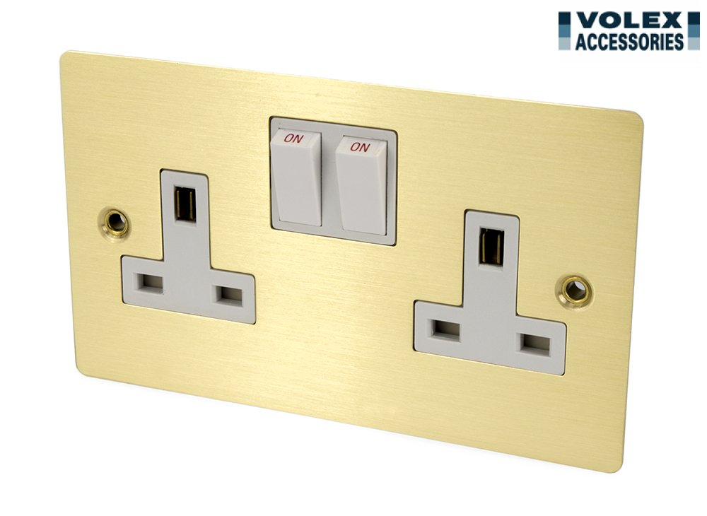 Volex 13A Double Switched Socket Double Pole 2 Gang: Amazon.co.uk ...
