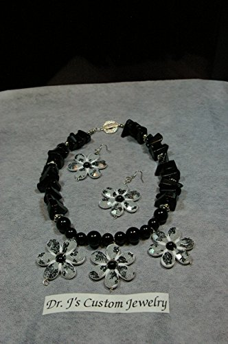 Natural Bllack Onyx Large Chip Beads and 3 White Flower Necklace Set Toggle clasp