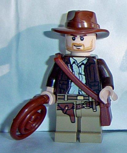 - LEGO Indiana Jones: Indiana Jones Mini-Figurine Avec Un Fouet Et Satchel