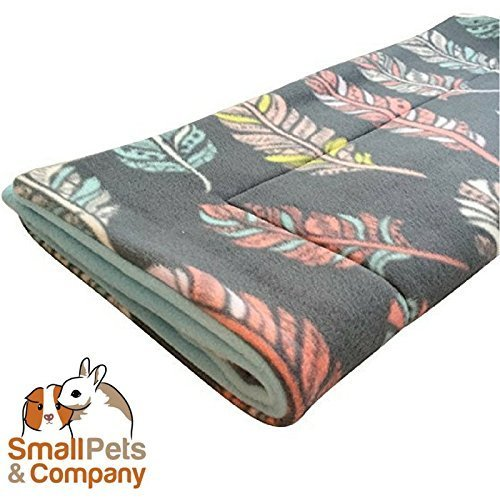 Small Pets and Company Guinea Pig Fleece Cage Liner  Fleece Guinea Pig Bedding  Midwest, C&C, Corner Pad (Midwest, Feathers on ()