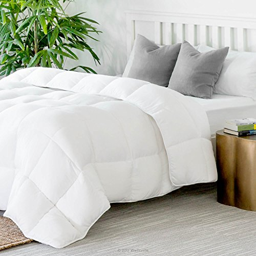 WEEKENDER Quilted Down Alternative Hotel-Style Comforter - Use as Duvet Insert or Stand-Alone Comforter - Hypoallergenic - Great for All Seasons - Corner Duvet Tabs - Twin - Classic White