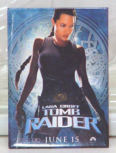 Lara Croft Tomb Raider Large Button & Dog Tag ()