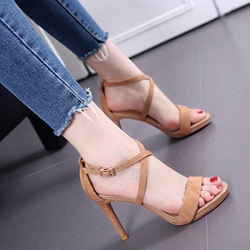 Fina del talón de cinta cruzada sandalias de las mujeres de moda de verano Palabra hebilla zapatos de tacón alto Brown