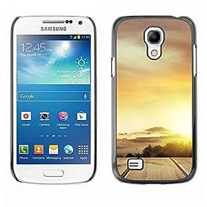 FECELL CITY // Duro Aluminio Pegatina PC Caso decorativo Funda Carcasa de Protección para Samsung Galaxy S4 Mini i9190 MINI VERSION! // Desert Cloud Gold Sun Road