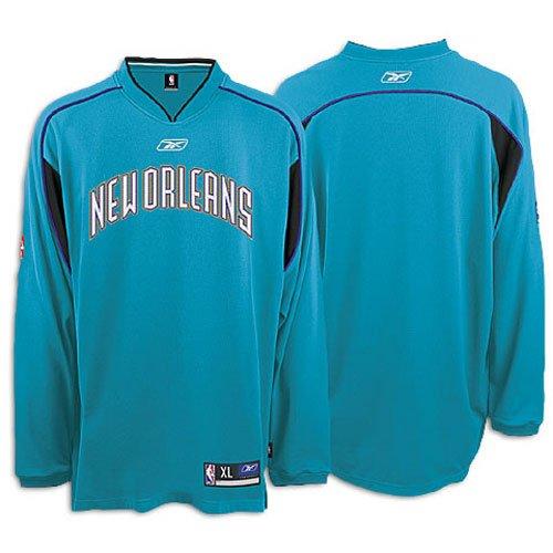 c9648fe9c0b5 Amazon.com   Hornets Reebok Men s NBA Long-Sleeve Shooting Shirt ...