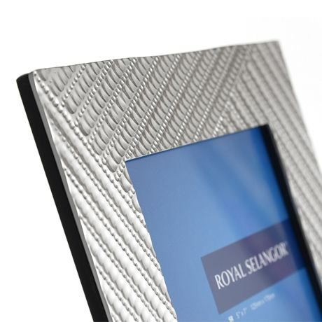 Royal Selangor Hand Finished 8515 Collection Pewter Photo Frame (5R) by Royal Selangor