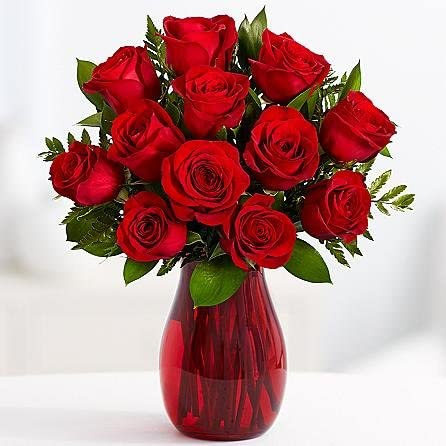 Amazon Com 12 Red Roses Online Flowers Wedding Flowers Bouquets Birthday Flowers Send Flowers Flower Delivery Flower Arrangements Floral Arrangements Flowers Delivered Sending Flowers Garden Outdoor