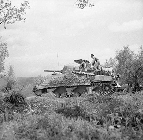 Home Comforts The British Army in Italy 1944 A Sherman tank firing in support of an attack by 2nd Lancashire Fusil. by Home Comforts