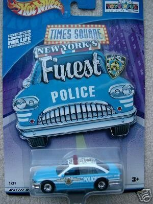 Mattel Hot Wheels 2001 1:64 Scale Blue & White Limited Edition Ford Crown Victoria New York Times Square Die Cast Police Car