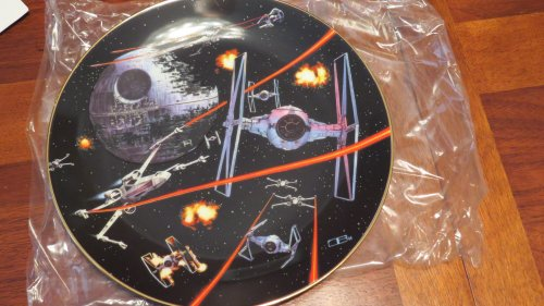 The Hamilton Collection Star Wars Trilogy Collector Plate: Space Battle