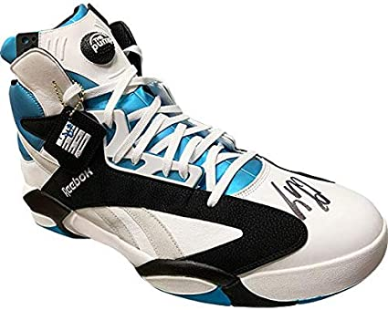 Asombrosamente Leve Multitud  Shaquille O'Neal Autographed Size 22 Reebok Pump Shoe - Autographed NBA  Sneakers at Amazon's Sports Collectibles Store