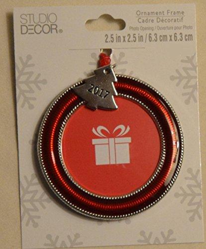 Red Round Photo Frame Christmas Ornament (Christmas Ornament Decor Studio)
